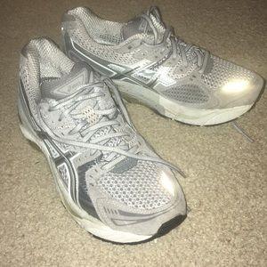 ⏬ Asics Gel Evolution 6 Women's Running Shoes 😍